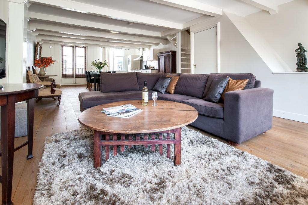 Harlem luxury apartment amsterdam for Low cost apartments amsterdam